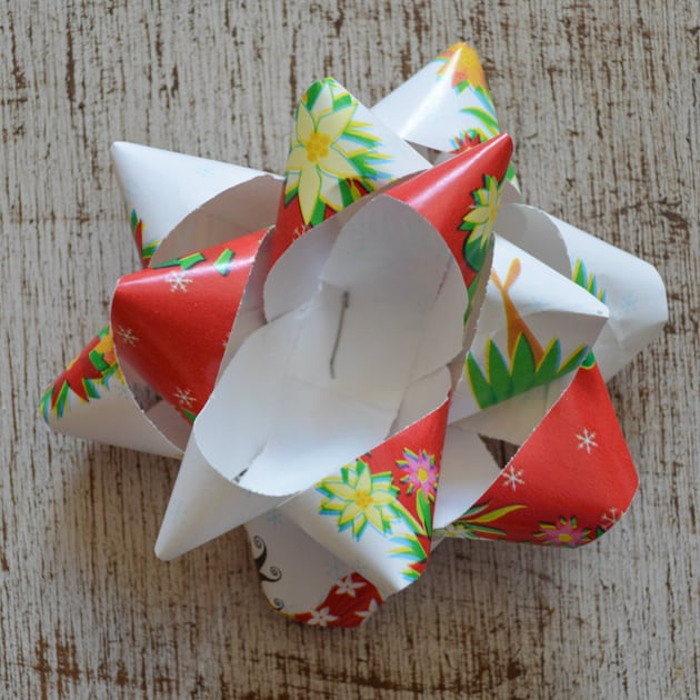 paper gift bow