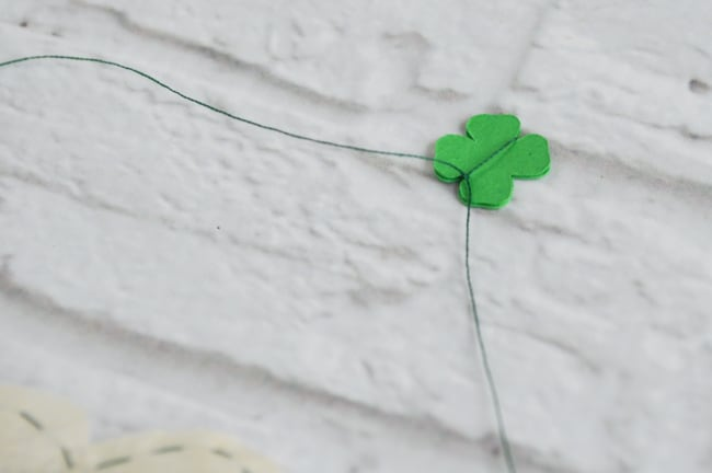 knto threads around tag