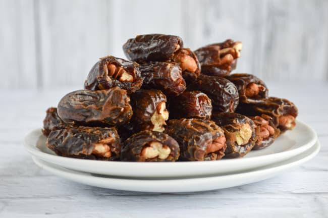 pecans in dates