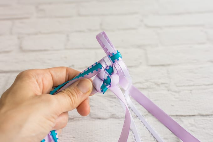 braiding the tricolor ribbon lei-2