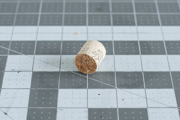 cut-cork-in-half