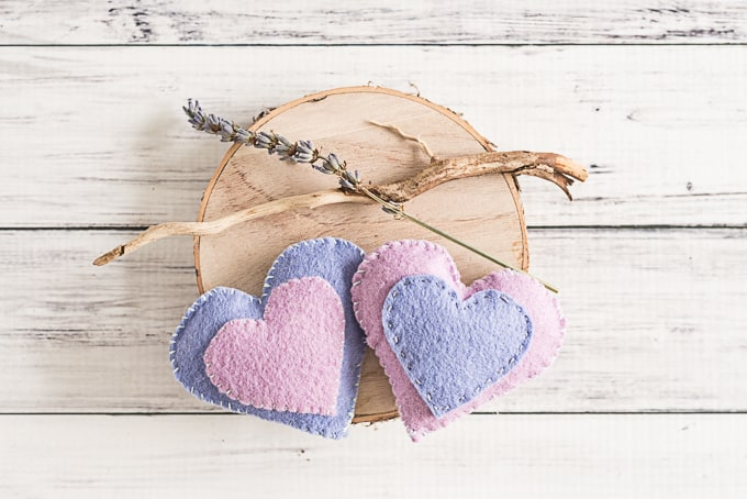 DIY Felt heart hand warmers with pattern!