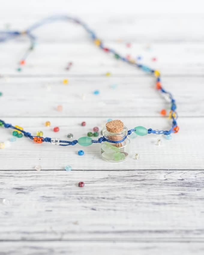 DIY summer memories necklace - fill the bottle