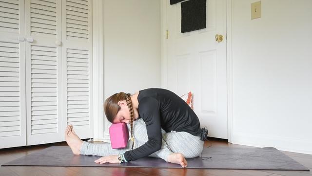 beginner yin yoga sequence half shoelace
