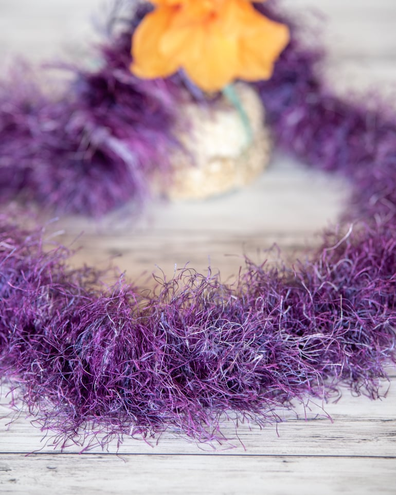 fluffy Hawaiian eyelash yarn lei